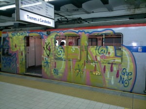 subte-graffities-parabuenosaires