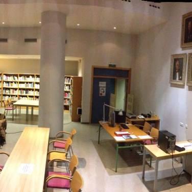 Taller, trabajando en la biblioteca